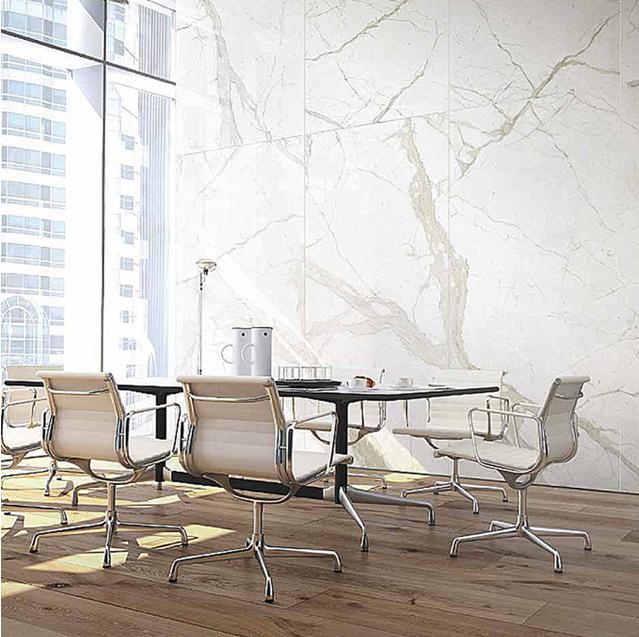 velké formáty, nadrozmerná dlažba, obklad, imitácia dreva, mramor, marble, kancelária, administratívny priestor, carrara, calacatta, statuario
