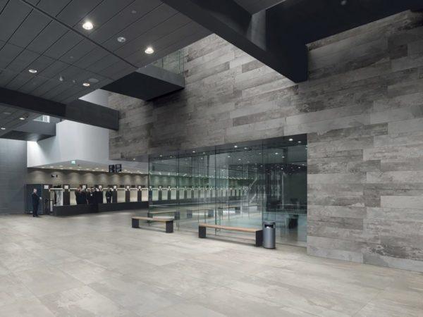 designindustry-concrete-look-tiles-public-veneus