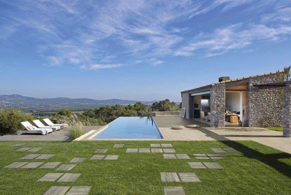 Vibe-Caesar-cinder_esterno_piscina